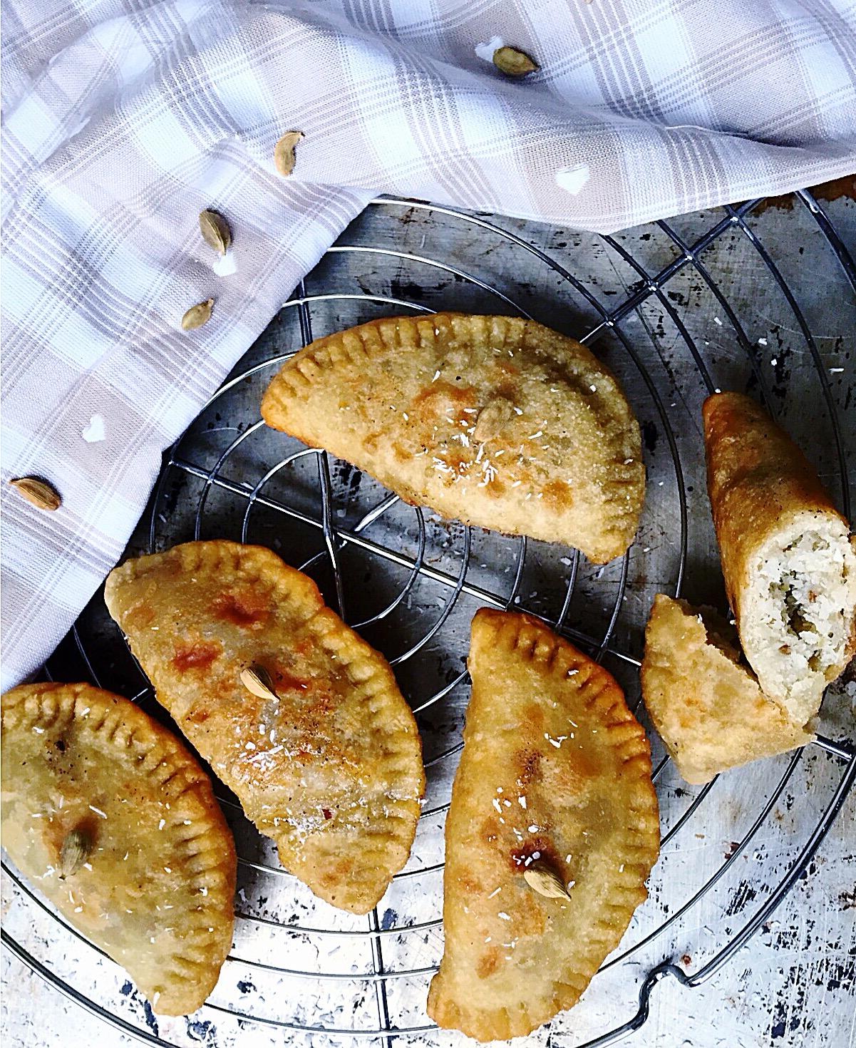 G teaux patates chaussons de patate douce blanche fourr s la noix de coco et parfum s la - Recette patate douce blanche ...