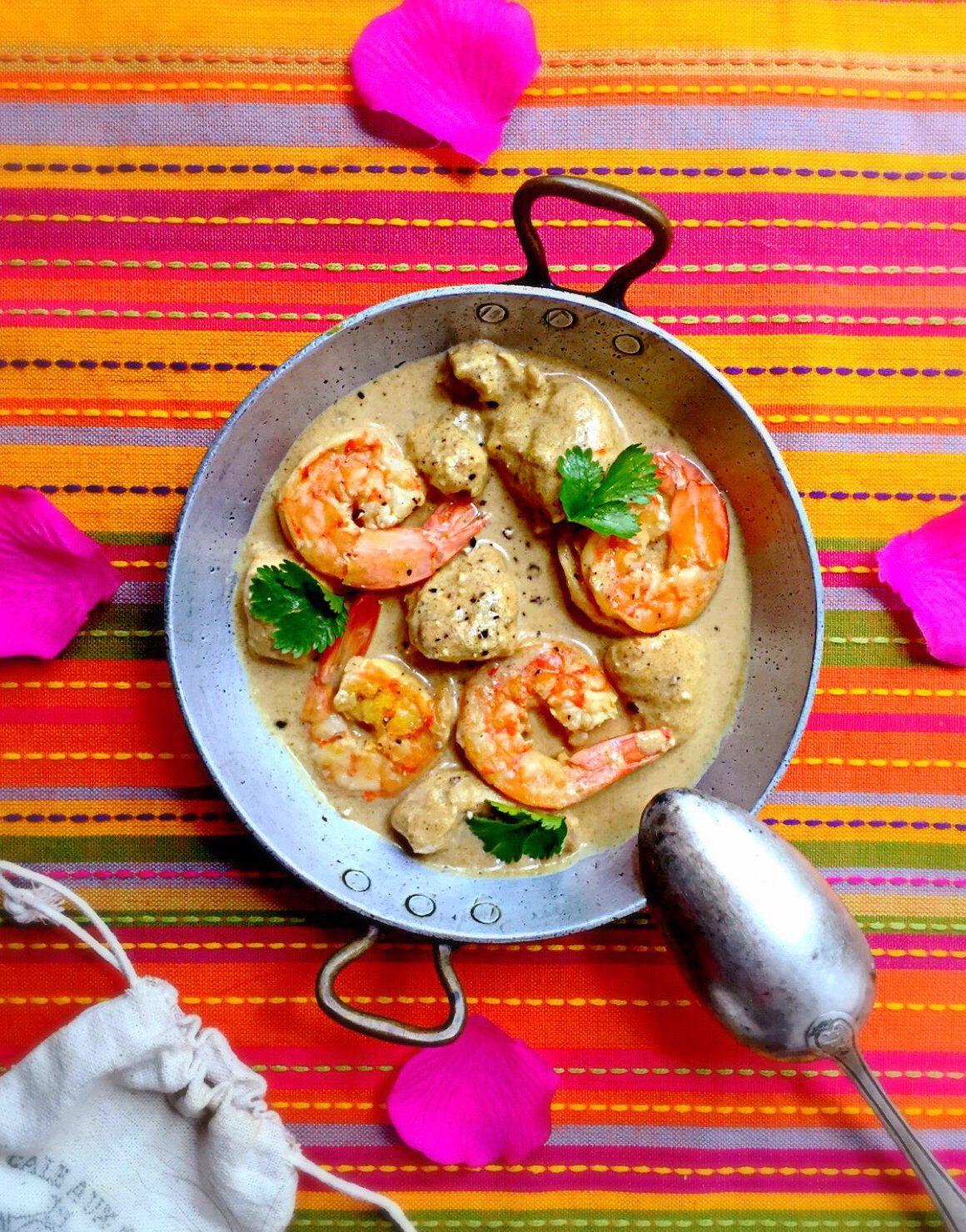 Curry de poulet & crevettes au lait de coco