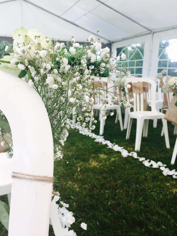Allée décorée mariage